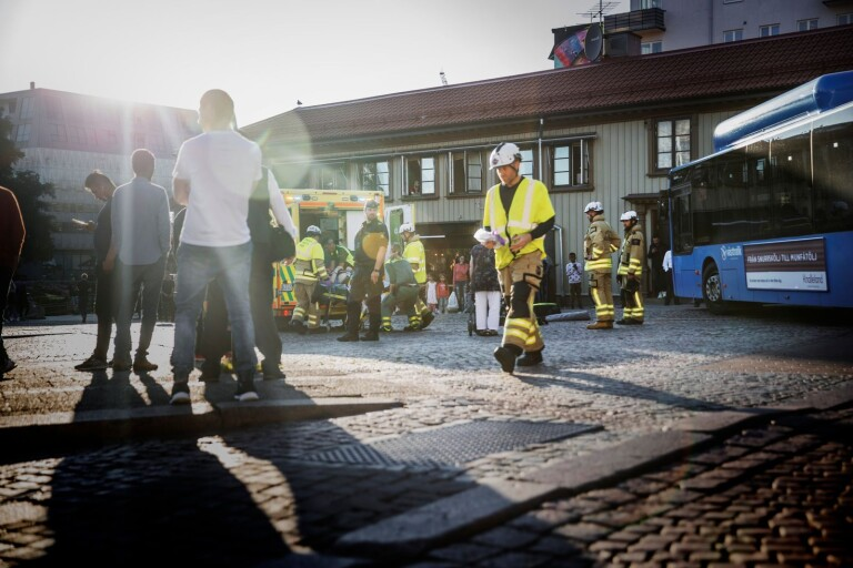 """Äldre man blev påkörd av buss på Södra torget: """"Det förstörde våra liv"""""""