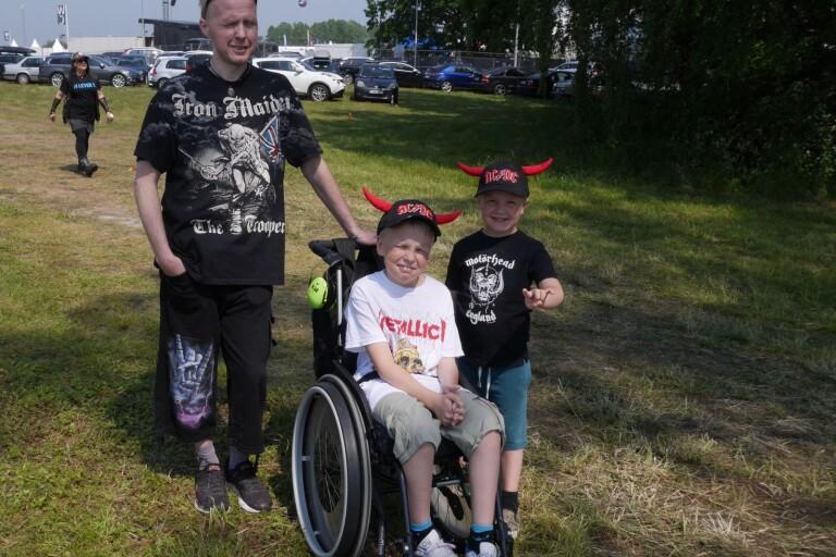 Lovade sönerna Sweden Rock efter sjukdomen