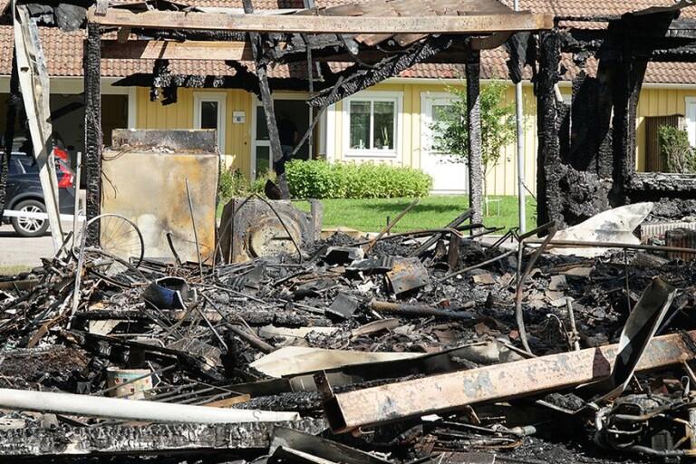 """Efter våldsamma branden – granne berättar om dramat: """"Kom svart rök"""""""