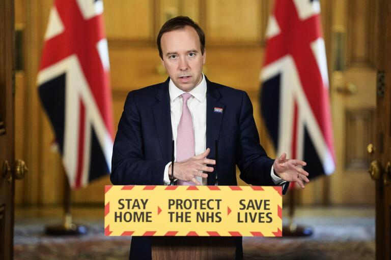 Storbritanniens hälsominister Matt Hancock under en tidigare presskonferens om coronaläget i landet. Arkivbild.