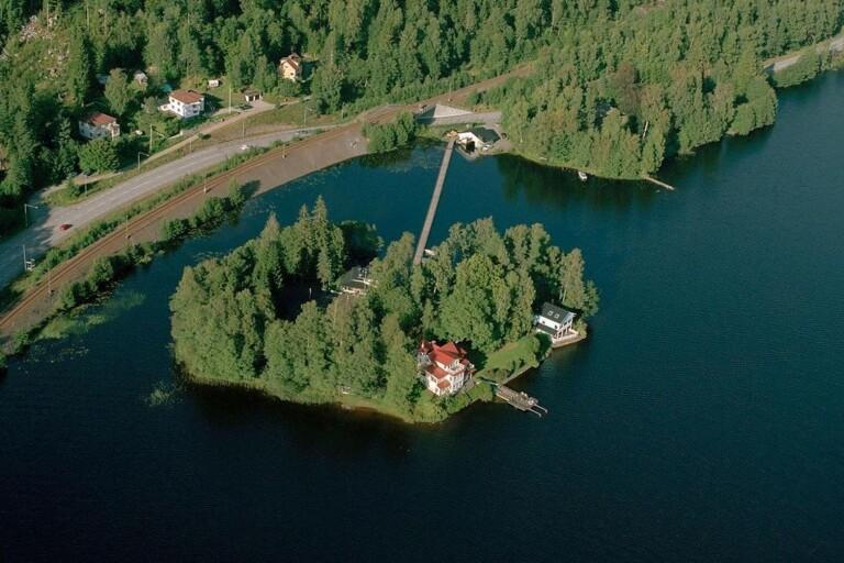 JÄTTEAFFÄREN: Paradisön med tre hus i Viaredssjön såld – här är priset