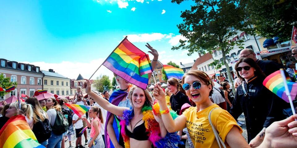Prideparaden är glädje och fest.