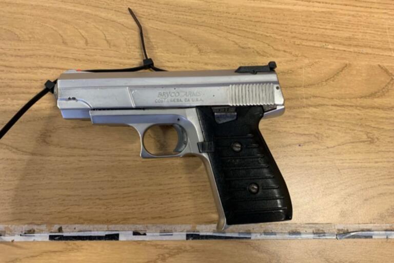 Säkringen var sönder på krögarens pistol som hittades gömd i hans bil tillsammans med ett magasin med elva patroner.