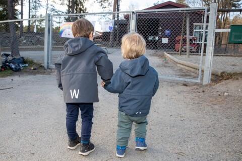 Giftiga ämnen upptäckta vid förskola – område avspärrat