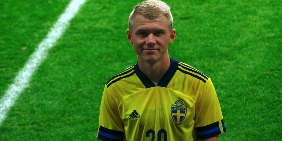 Edvin Cronas U21-landslagsdebut klarades av hemma på Guldfågeln Arena.