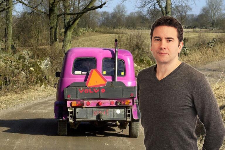 """Varför ska vi inte kunna erbjuda föreningslokal för motorintresserade ungdomar? Och varför skulle inte en förälder kunna bli ledare, som i idrottslaget? """"Vi tvingar A-traktorfolket att bli outsiders"""", tycker Ölandsbladets chefredaktör Peter Boström."""
