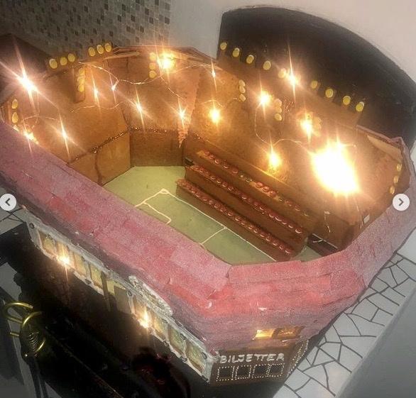 Att inte få gå på fotboll skapar viss abstinens. Kolla in Guldfågeln Arena hemma hos Emma Elm.