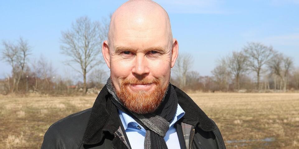 Mattias Mild är utvecklingsledare på CIS som bygger Östra skolan i Färjestaden. Han konstaterar att det är fortsatt högt tryck på att få gå på högstadiet hos dem.