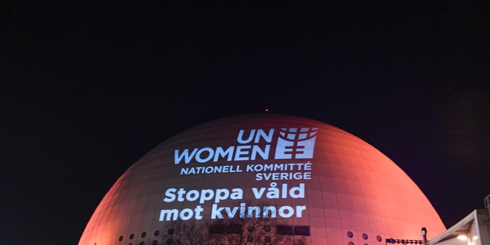 Idag är det en, oerhört tråkigt nog, väldigt viktig dag. Det är Internationella dagen för att stoppa mäns våld mot kvinnor. Dagens debattör skriver att nu är det dags att göra något, sätta stoppa för det våld!
