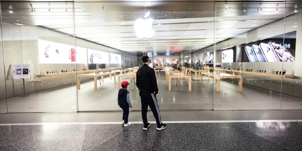 Stängt på Apple Store i köpcentret Emporia i Hyllie i Malmö som en följd av coronaviruset.