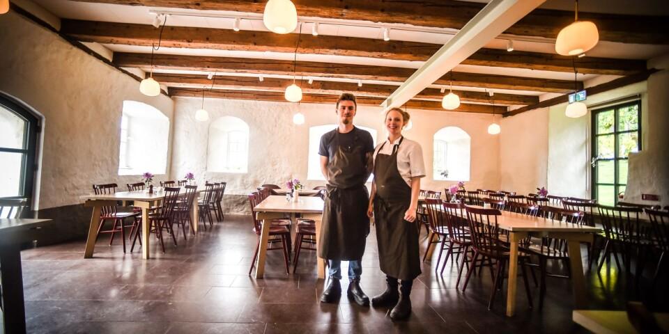 Henrik Eriksson och Lina Ahlin tog över restaurangen den 1 mars.