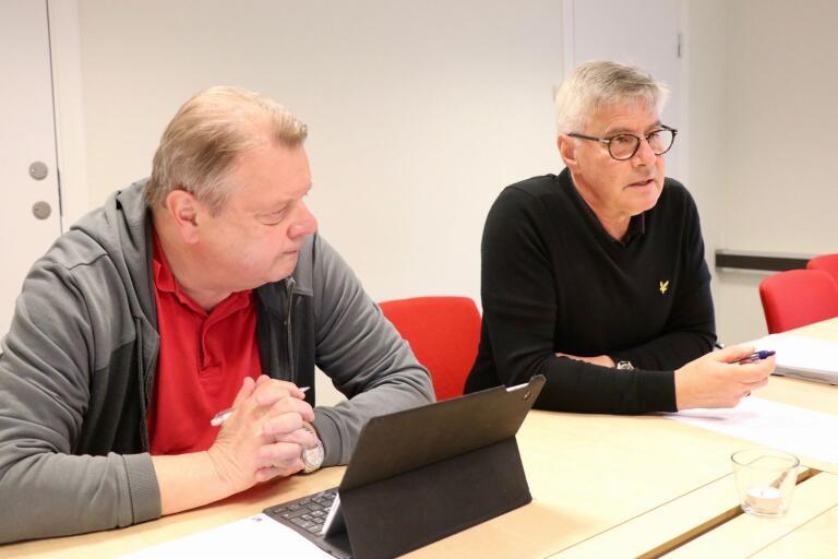 Stellan Lindeberg (S) och Rolf Lindström (M) kallade på torsdagen till presskonferens med anledning av att partierna bestämt sig för att lägga ned äldreboendena i Misterhult.