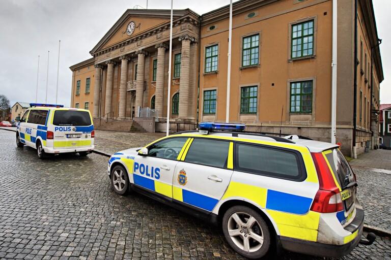 En man i 30-årsåldern åtalas vid Blekinge tingsrätt misstänkt för balnd annat rån.