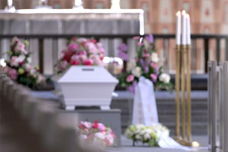 """Kyrkan hoppas på undantag för begravning: """"Märkligt om inte hela familjen kan vara med"""""""