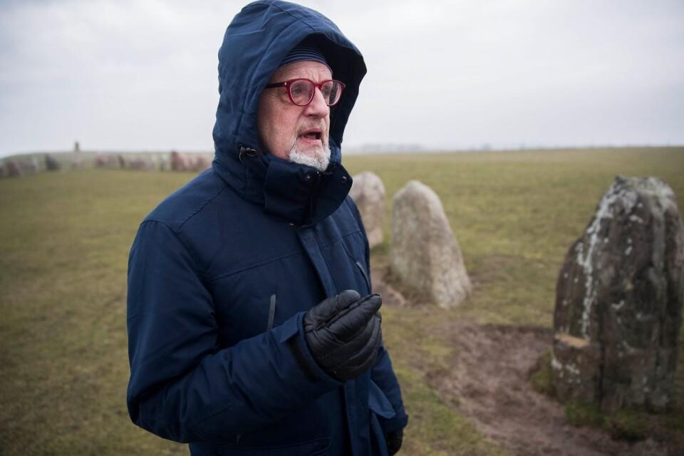Görhan Hellström är orolig för att ett stängsel runt stenarna kommer bli nödvändigt.