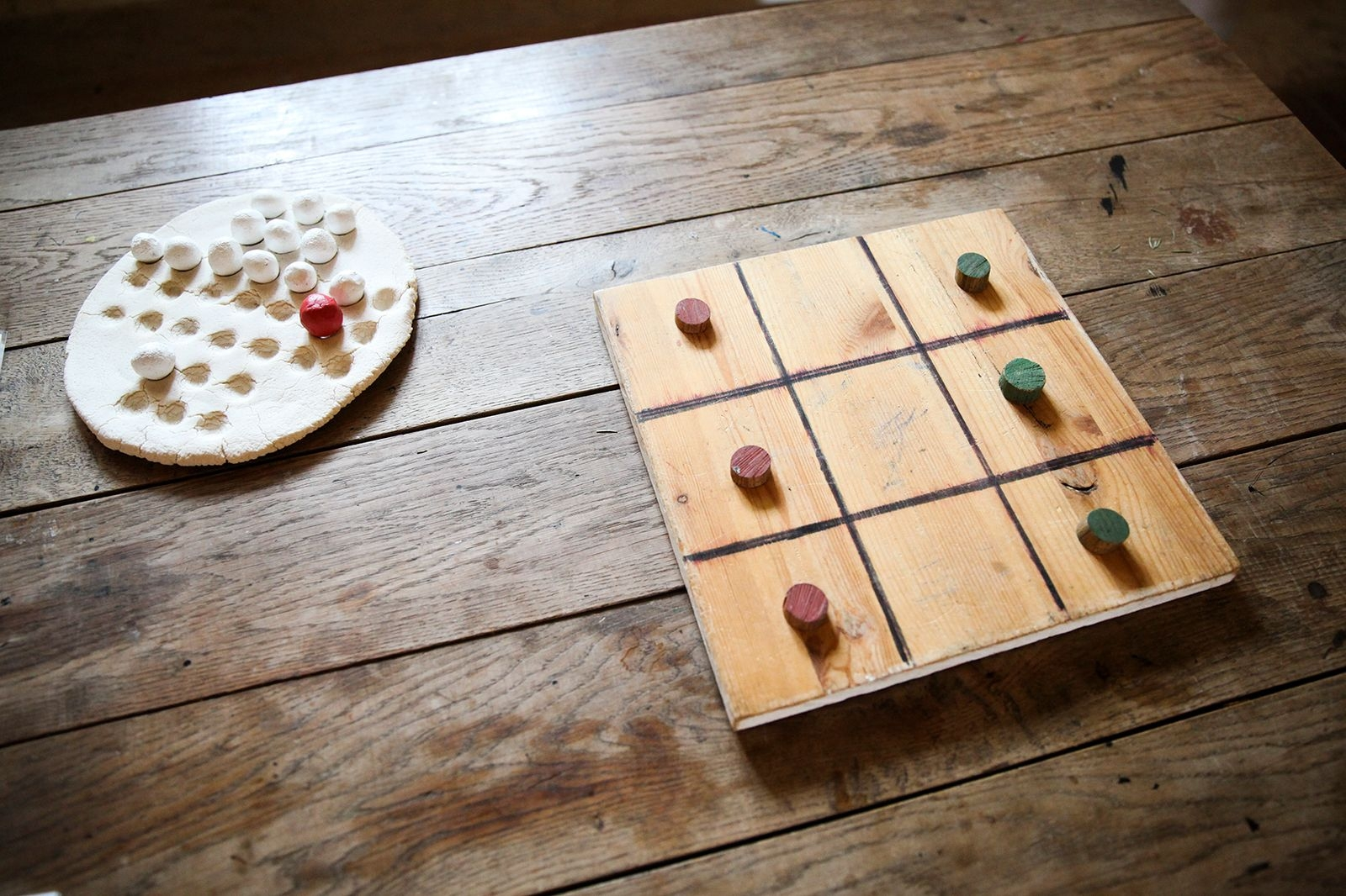 Tre i rad, eller luffarschack har förmodligen sitt urspung ur spelet Go som spelades i Kina 1550-1050 f Kr.