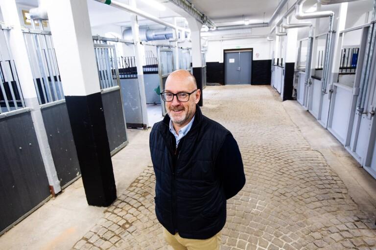 Nu invigs nyrenoverade stallet på Brosjödal