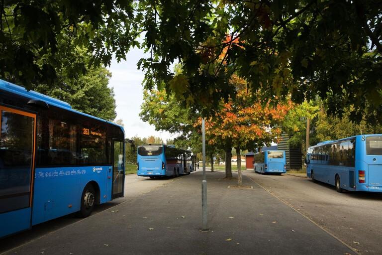 Det är fortsatt stökigt på en av Västtafiks bussar som trafikerar Ätradalsskolan.