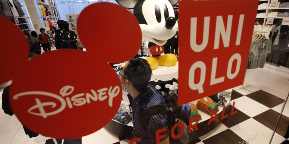 Coronaviruset får både Disney och Uniqlo att stänga igen. Arkivbild.