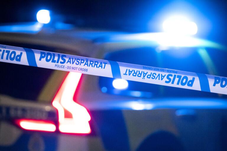 En man som hittades knivskadad i Borås på tisdagen har avlidit, meddelar polisen. Arkivbild.