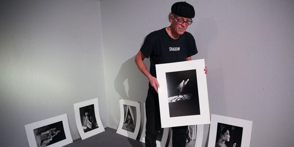 Lars Grönwall följde under några månader på 80-talet Cirkus Scott. Projektet resulterade i 25000 exponeringar.