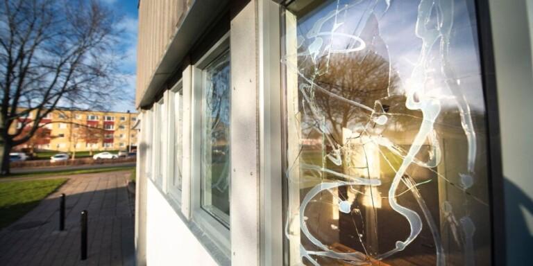 Bibliotek stängs efter öppen droghantering