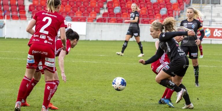 """TV: """"Det är sådana här matcher man älskar att spela"""" sa Signe efter sköna Växjö DFF-segern"""