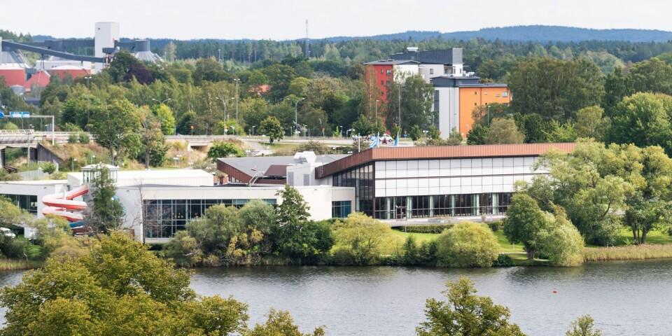 Leif Sjölin tror att simhallens placering är bra för besöksantalet.
