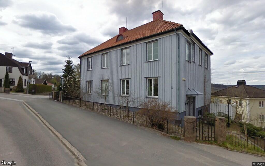 Stor villa på 201 kvadratmeter från 1920 såld i Ulricehamn – priset: 2400000 kronor