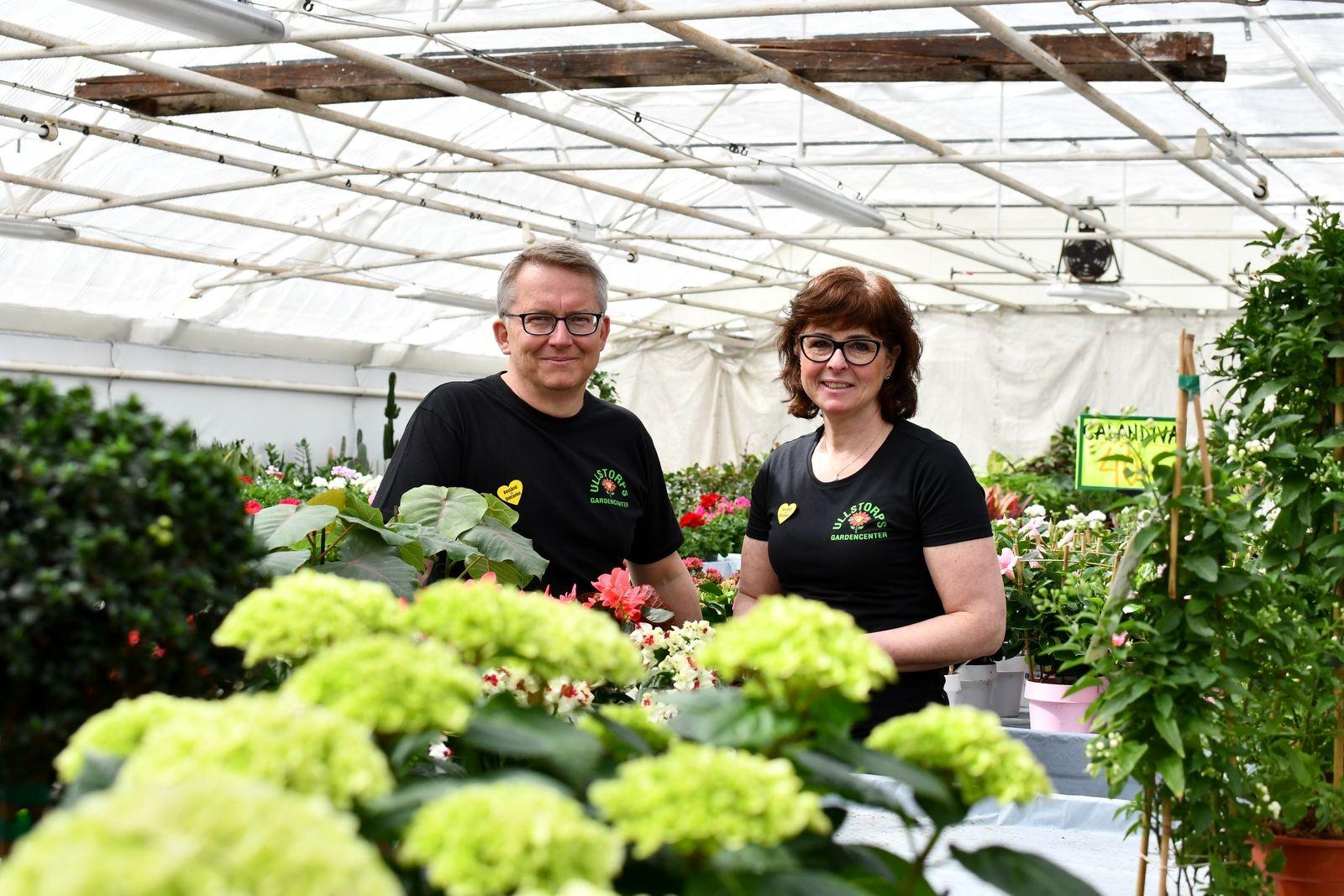 """Stefan och Marita tycker fortfarande det är lika kul att gå till jobbet. """"Det har vi kunderna att tacka för, många har vi lärt känna väldigt väl"""", säger Stefan."""