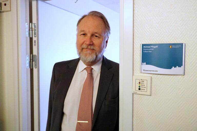 Michael Plogell (FR) har installerat sig i sitt rum där han ska arbeta som kommunalråd de närmaste fyra åren.