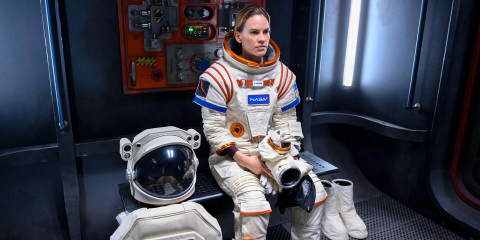 Hillary Swank spelar austronauten Emma som får leda ett internationellt team mot Mars.
