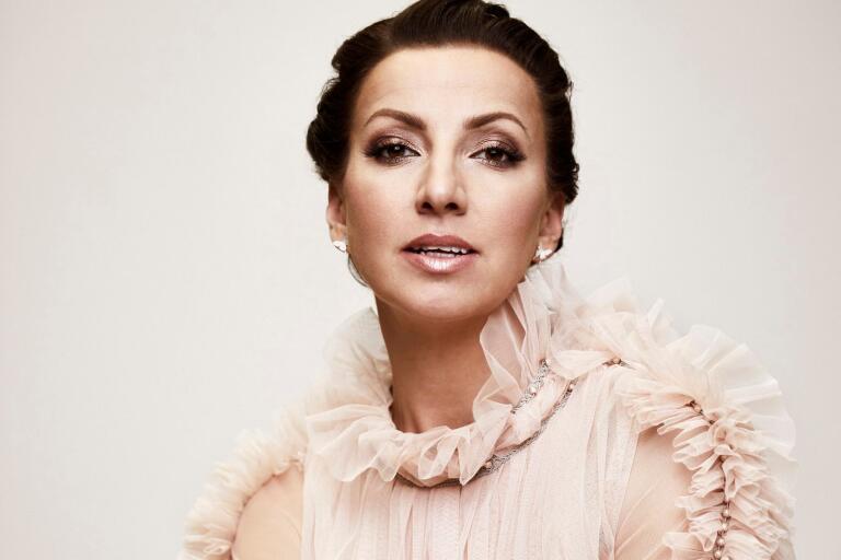 Trelleborgsaktuella Sonja Aldéns senaste singel är en utsträckt hand till folk som längtar efter att bli lyssnade på och förstådda.