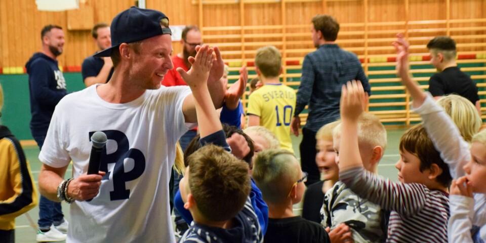 Överraskningen, som skolan i samarbete med föräldraföreningen stod bakom, uppskattades stort av barnen.