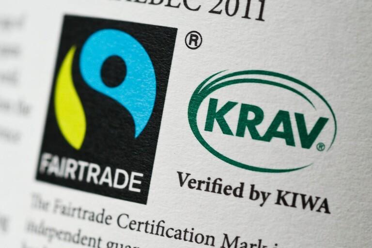 Allt fler kommuner ifrågasätter de offentliga Fairtrade-inköpen. Fairtrade-kommunerna i Blekinge borde ta intryck.