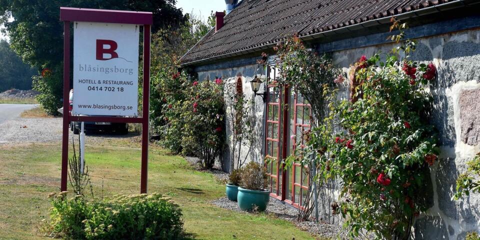 De nya ägarna av Blåsingsborgs gårdshotell är djupt imponerade av vad deras föregångare har byggt upp och avser att fortsätta i deras fotspår.