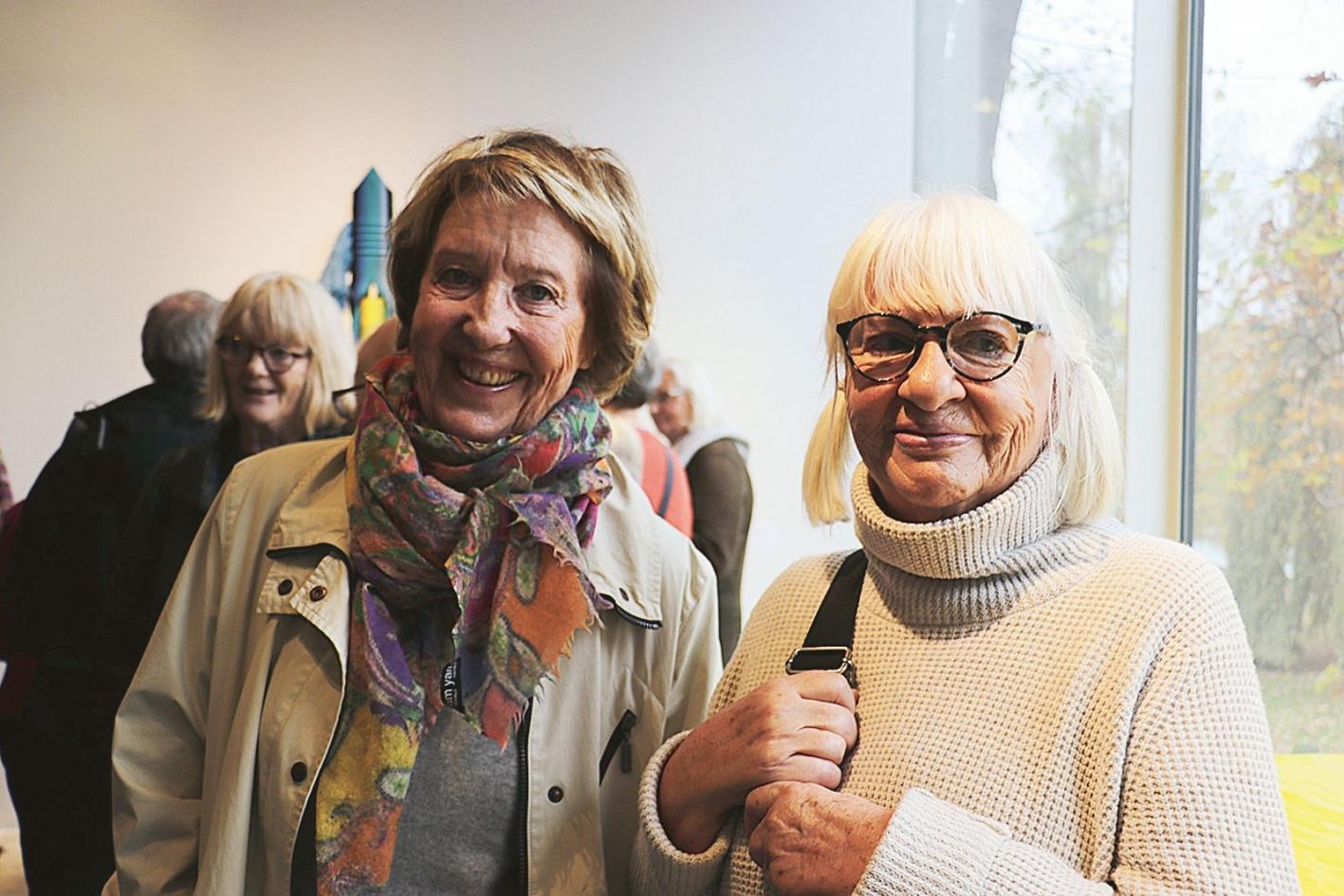 """""""Det ser mycket spännande ut"""" tyckte Eva Olander och Ingegerd Stålbrand på vernissagen."""