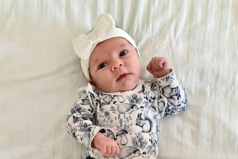 Lisa Nordström och Eric Bogren, Oskarshamn fick den 9 mars en dotter som heter Vera. Vikt 3230 g, längd 49 cm.