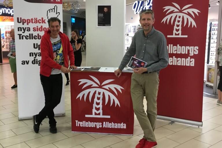 Lars Thulin och Martin Falkenby står redo att prata med läsare på Valengallerian.