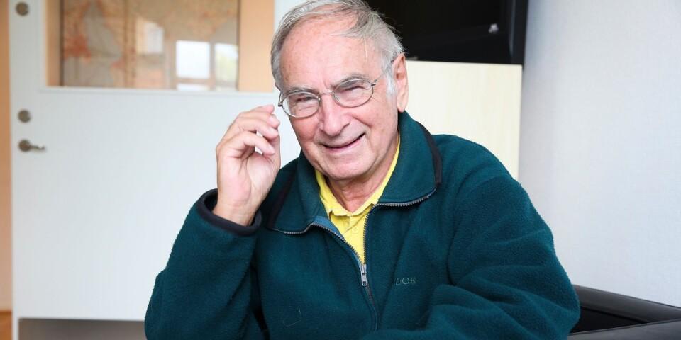 Den 85-årige tidigare idrottsläraren Wilfried Hilprecht i Simrishamn har under 60 år dokumenterat olika idrottslekar som han använt i undervisningen. Nu är förhoppningen att samla dessa i en bok som ska kunna användas av dagens idrottslärare.