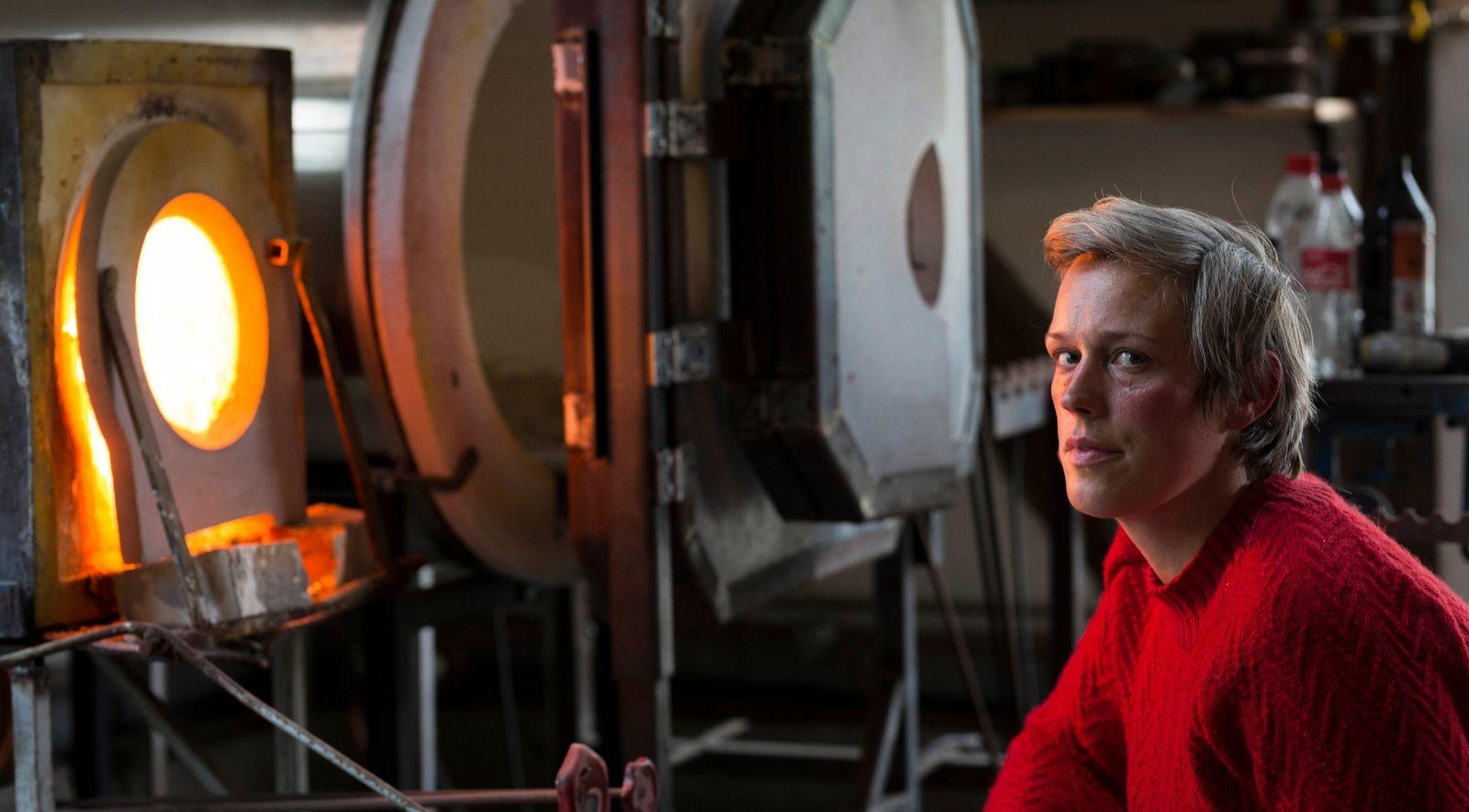 Elna Jolom, glaskonstnär, Norra Björstorp