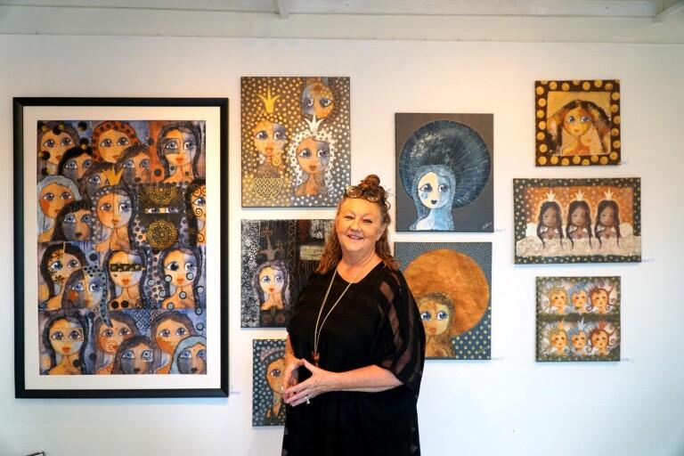 Hon sätter kvinnor i centrum i sin konst