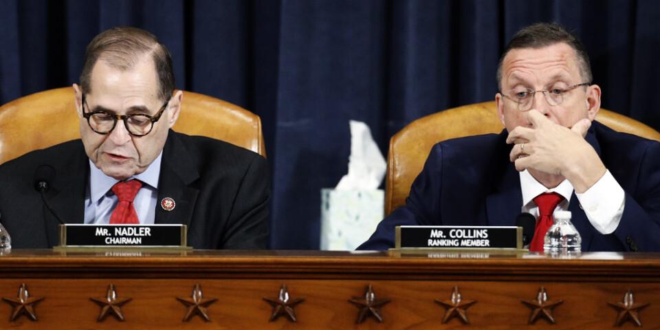 Demokraten Jerrold Nadler, ordförande i representanthusets justitieutskott (till vänster), och republikanen Doug Collins vid utskottsmötet på fredagen.
