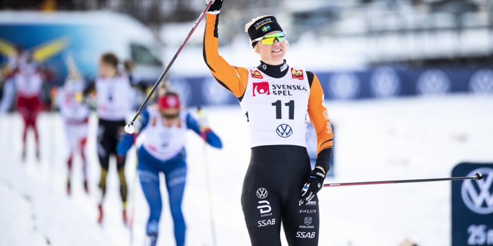 Maja Dahlqvist vann damernas sprint i den svenska längdskidpremiären i Bruksvallarna.