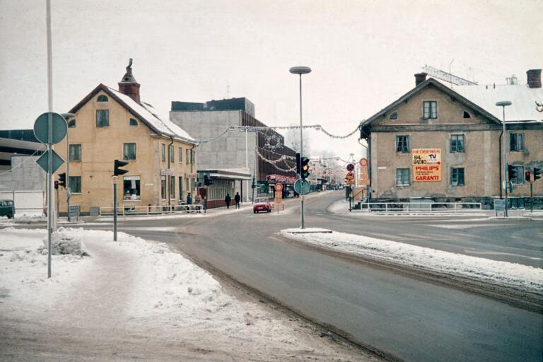 Storgatan, västra infarten till centrum.