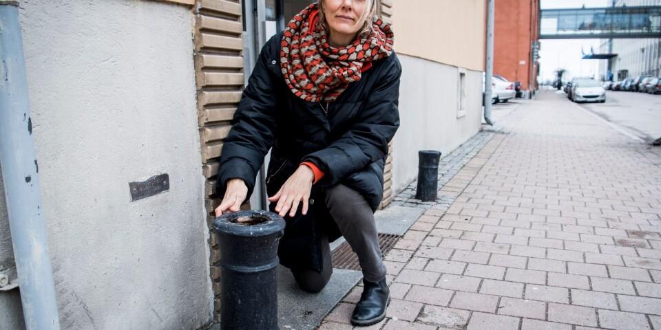 Ulrika Sparre vid nuvarande Ölandsgatan 8 i Karlskrona, där juden Fabian Philip hade sin bostad för cirka 200 år sedan. Huset finns inte kvar, men kanonerna sägs vara ett minne från den tiden.