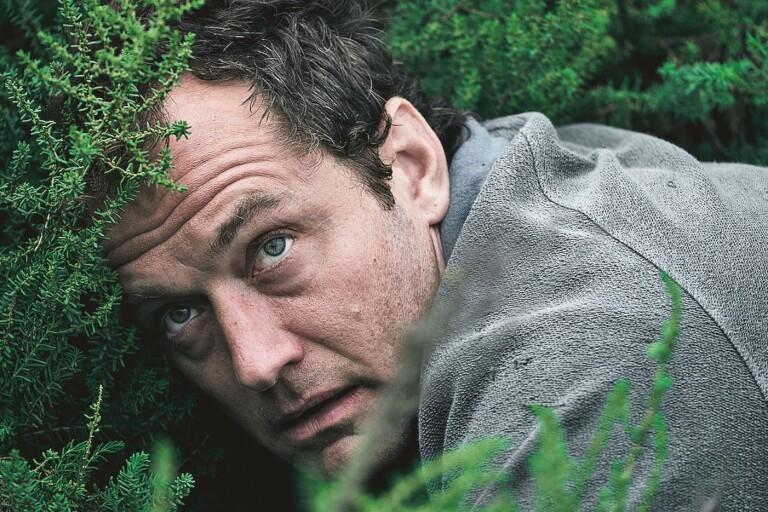 Jude Law gör sitt livs roll i lika bekant som briljant folkskräck