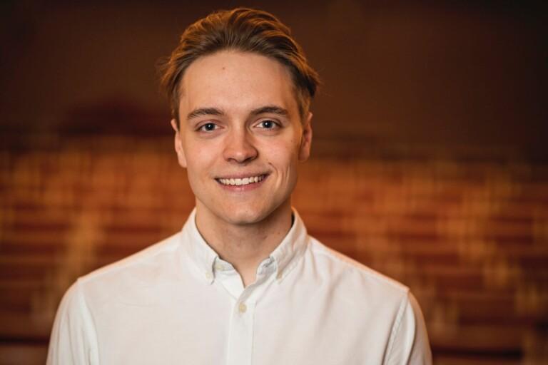 Elias Wallin väcker liv i TeaterBorgen