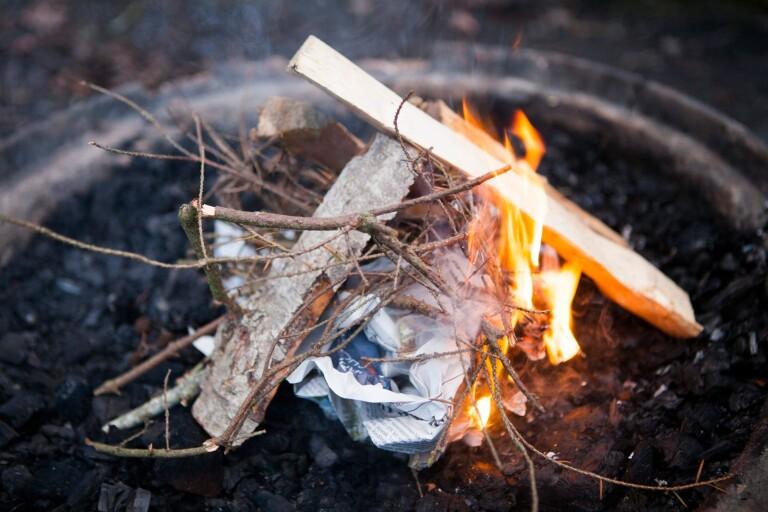 Carl Johan Engvall: Tänd en eld och låt den brinna