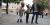 Björn Gotting tillsammans med sina barnbarn Nina och Edda Gotting var några av marknadens besökare.